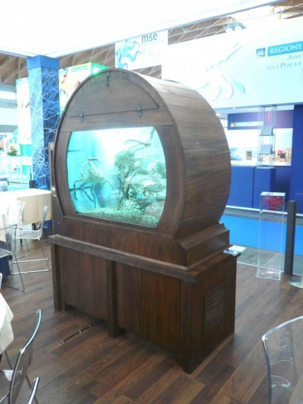Viveros para marisco expositores de pescado acuarios a for Vivero a domicilio